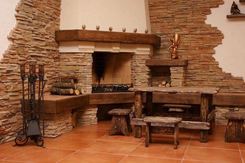 Комната облицованная декоратическим кирпичом