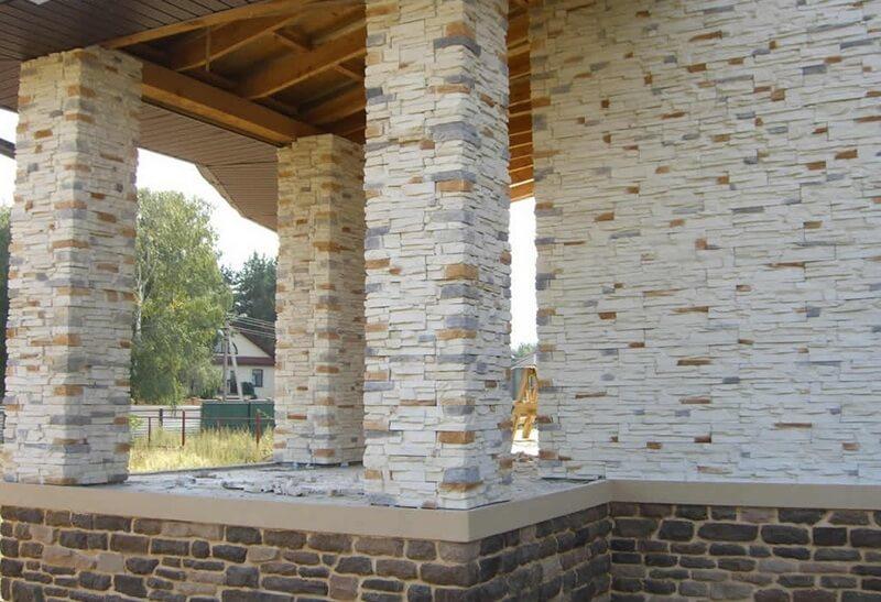 Керамический искусственный камень на фасаде дома