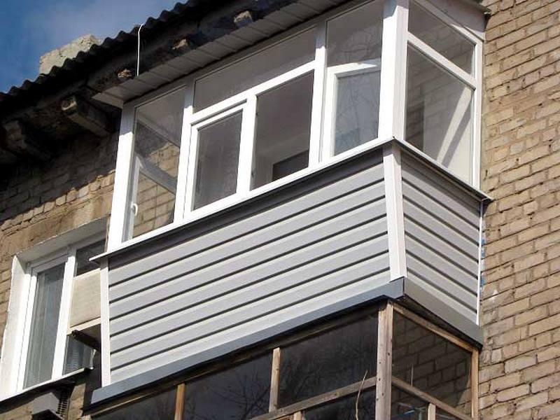 Балкон обшитый сайдингом