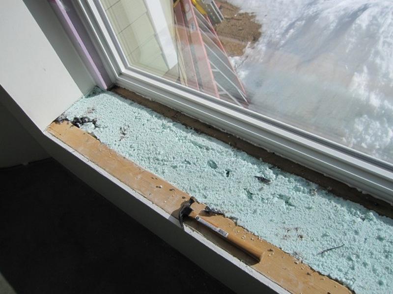 Укладка в откосы окна пенопласта
