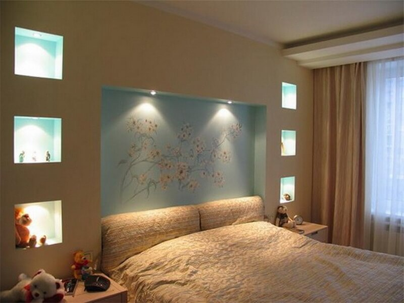 Ниша в стене спальни