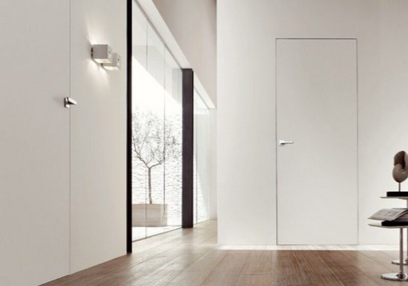 Межкомнатная дверь в одном цвете со стенами
