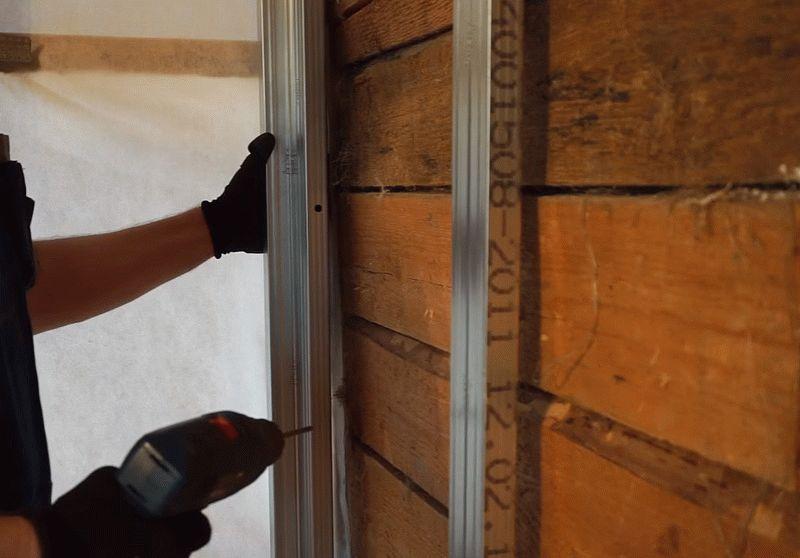 Как выровнять стены каркасным методом