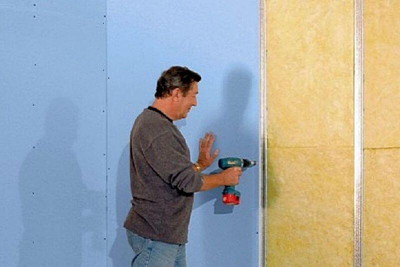 Крепление гипсокартона на стену