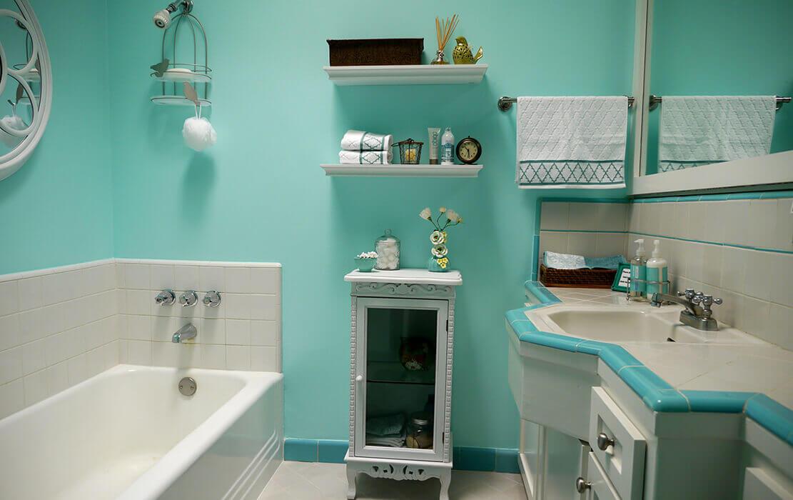 Покрашенные стены в ванной
