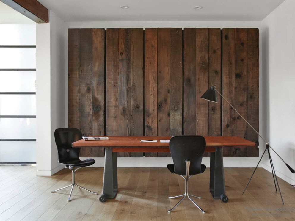 Декоративная доска в качестве отделки стены
