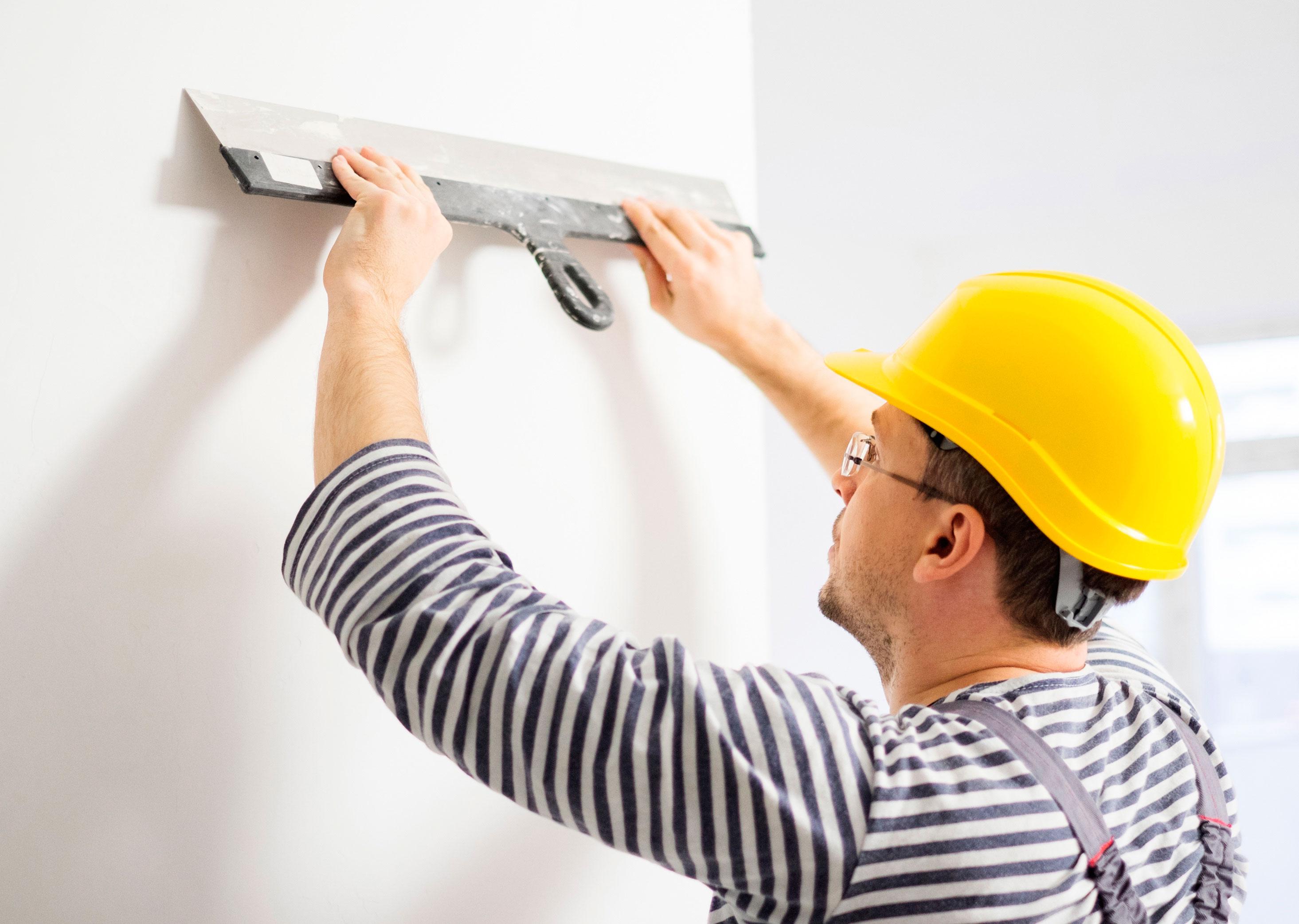 Как нанести шпаклевку на стену