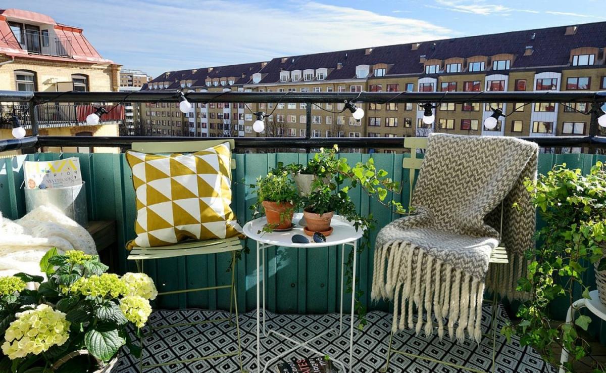 Как обшить открытый балкон