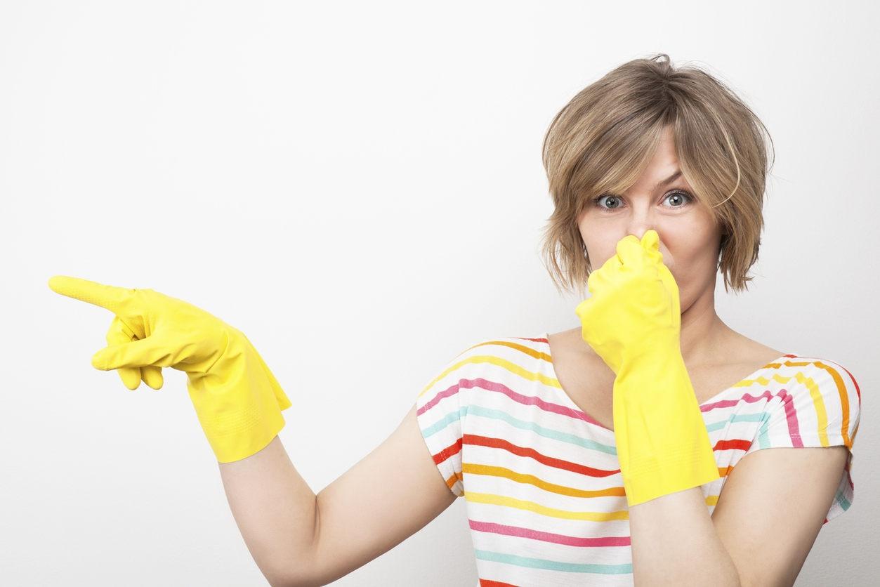 Как убрать неприятный запах после покраски