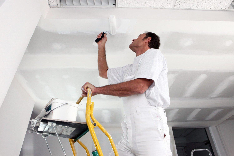 Как правильно шпаклевать потолок