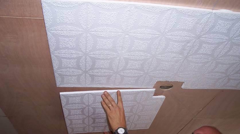 Поклейка пенопластовой плитки