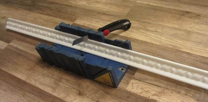 Инструмент для обрезки плинтуса