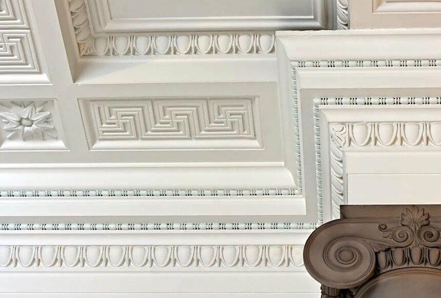 Примеры дизайнов потолочного плинтуса